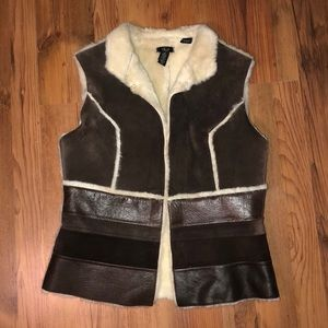 Q.U.E. Leather Brown Sherling Sherpa Vest S